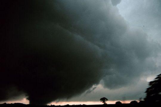 800px-tornado_near_minco_oklahoma_-_noaa