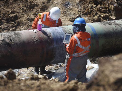 635957416400596162-pipeline02